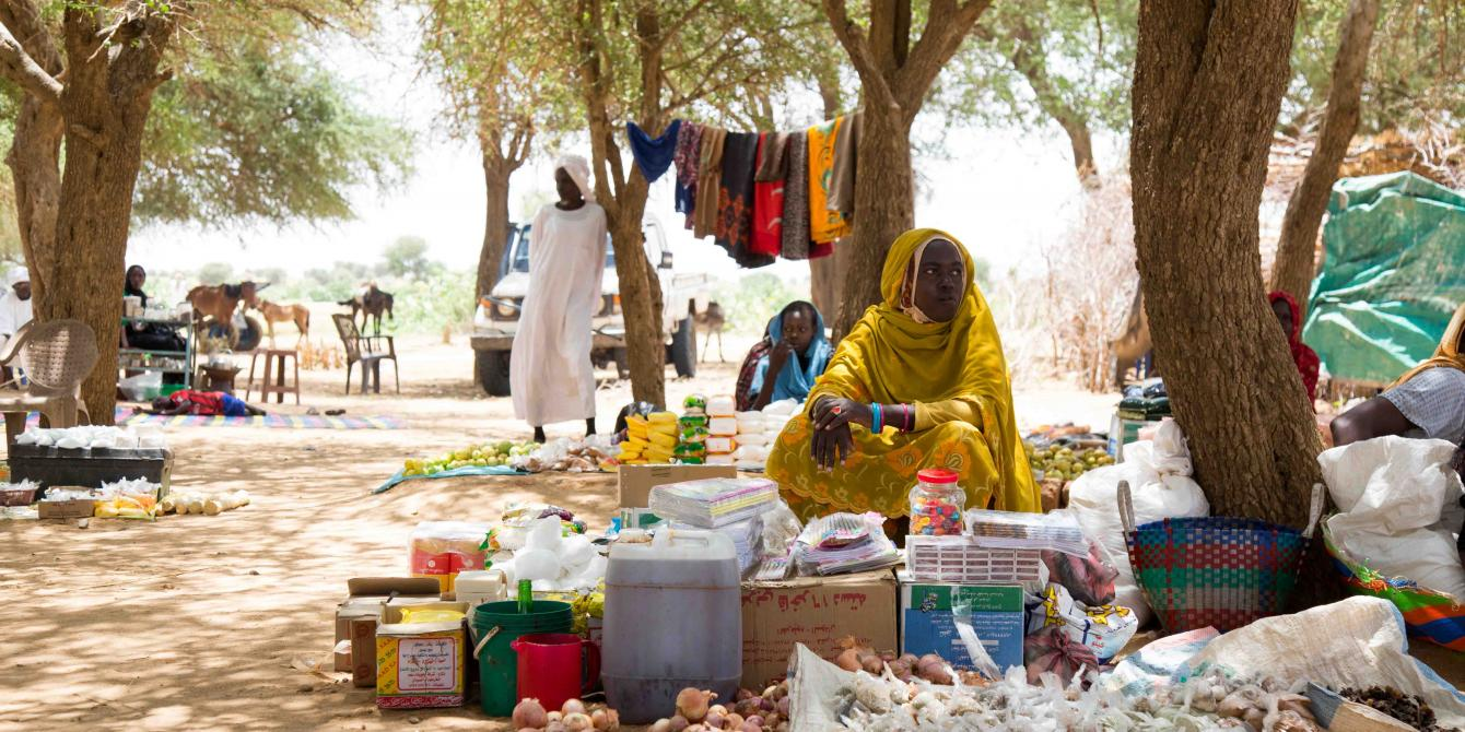 Women selling their wares at the Cathedral IDP settlement in Wau, South Sudan. Andreea Campeanu/Oxfam
