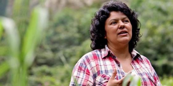 Berta Cáceres, líder indígena, ambientalista y defensora de los derechos humanos.