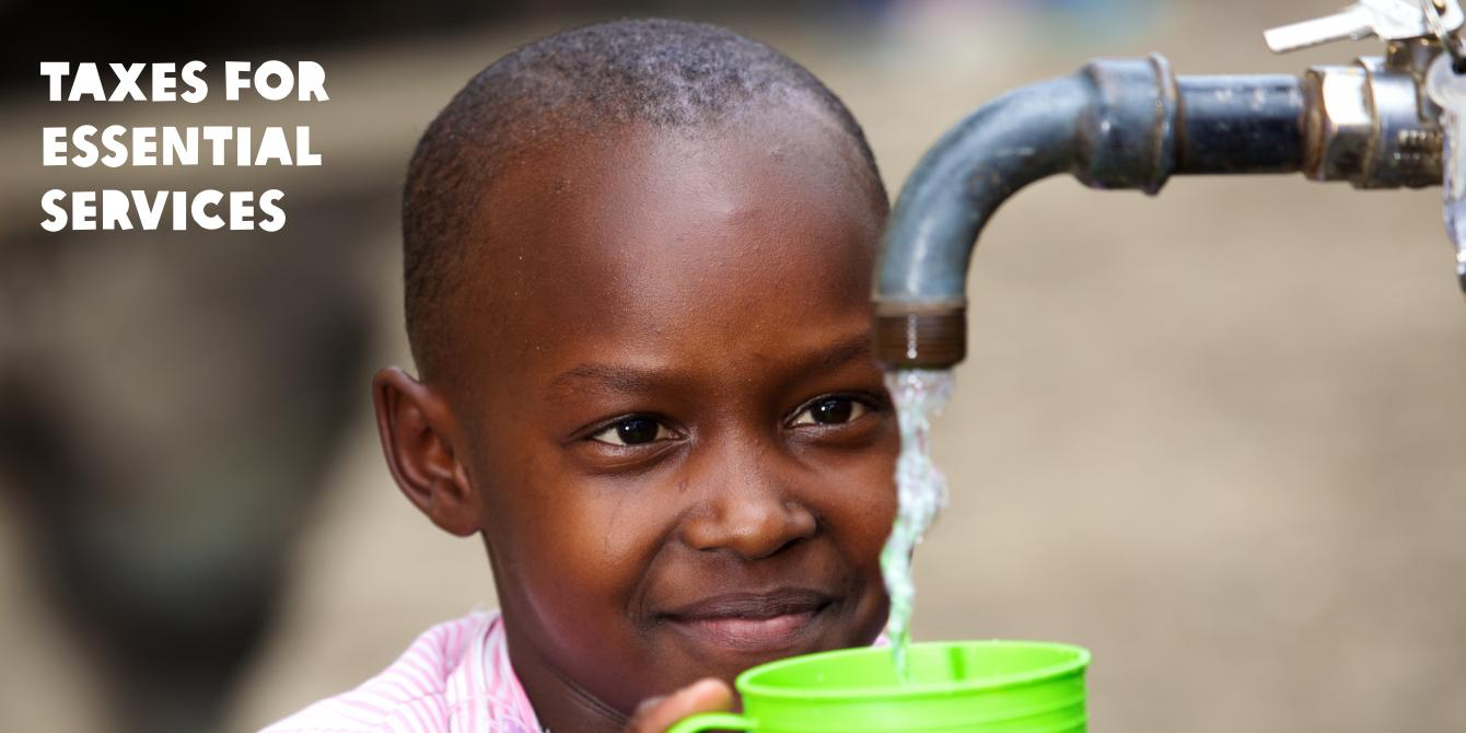 Student from Mukuru Reuben, Nairobi, fetching clean water from a tap at the school bio centre. Photo Credit: Abraham Ali