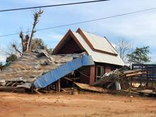 Sanamxay - Damaged home