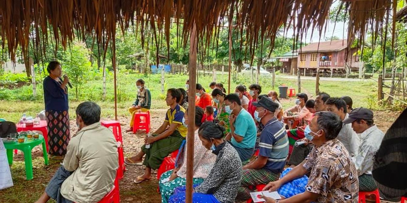 Daw Doi Bu meeting with community