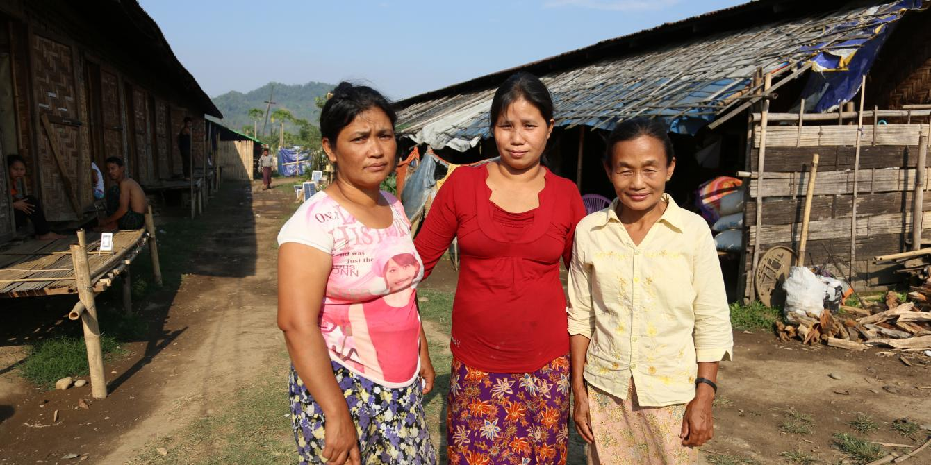 'Roi Tsun (left) with other durable solution trainees, Photo by: Dustin Barter/ Oxfam