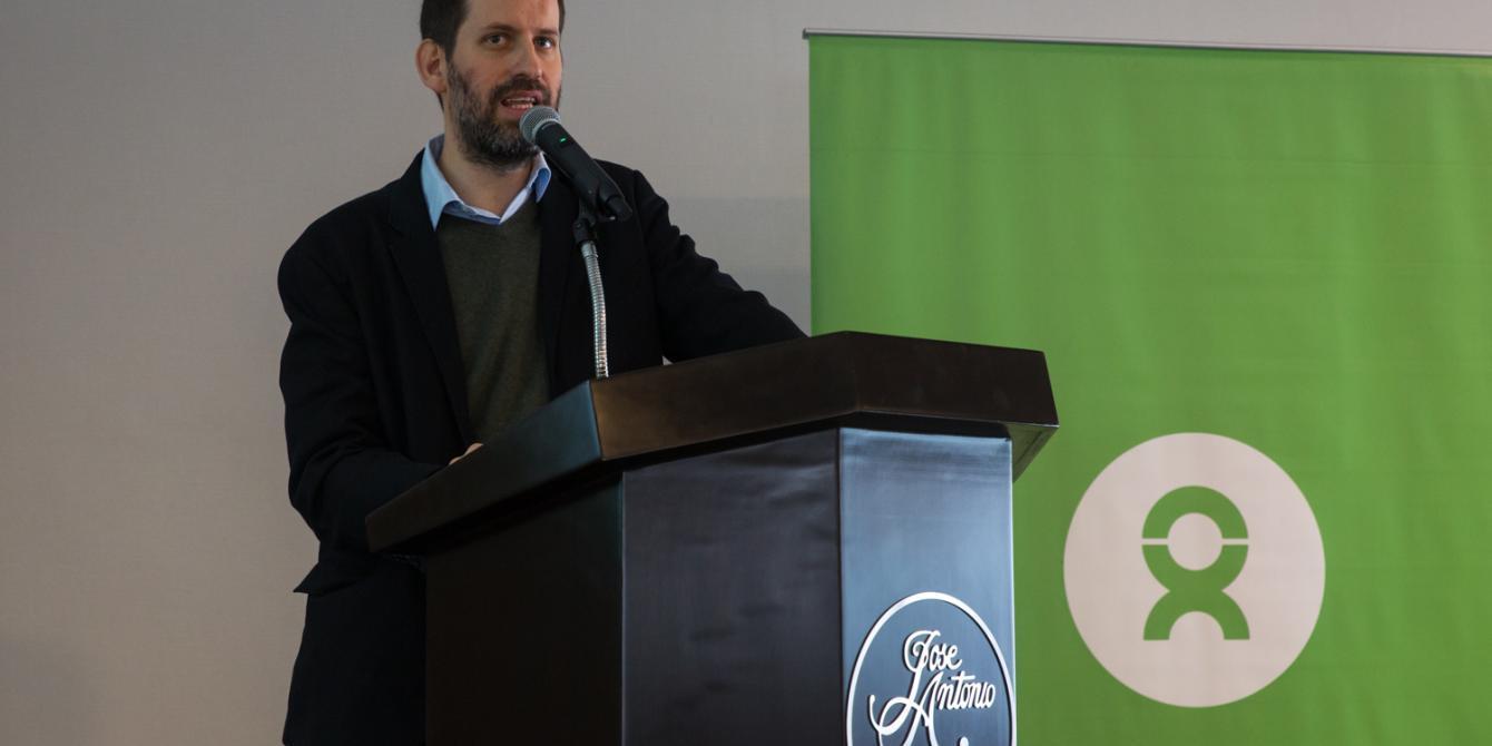 """""""Plantaciones de gran escala en América Latina y perspectivas para la Amazonía andina"""" / Juan Luis Dammert Bello (Oxfam en Perú)."""