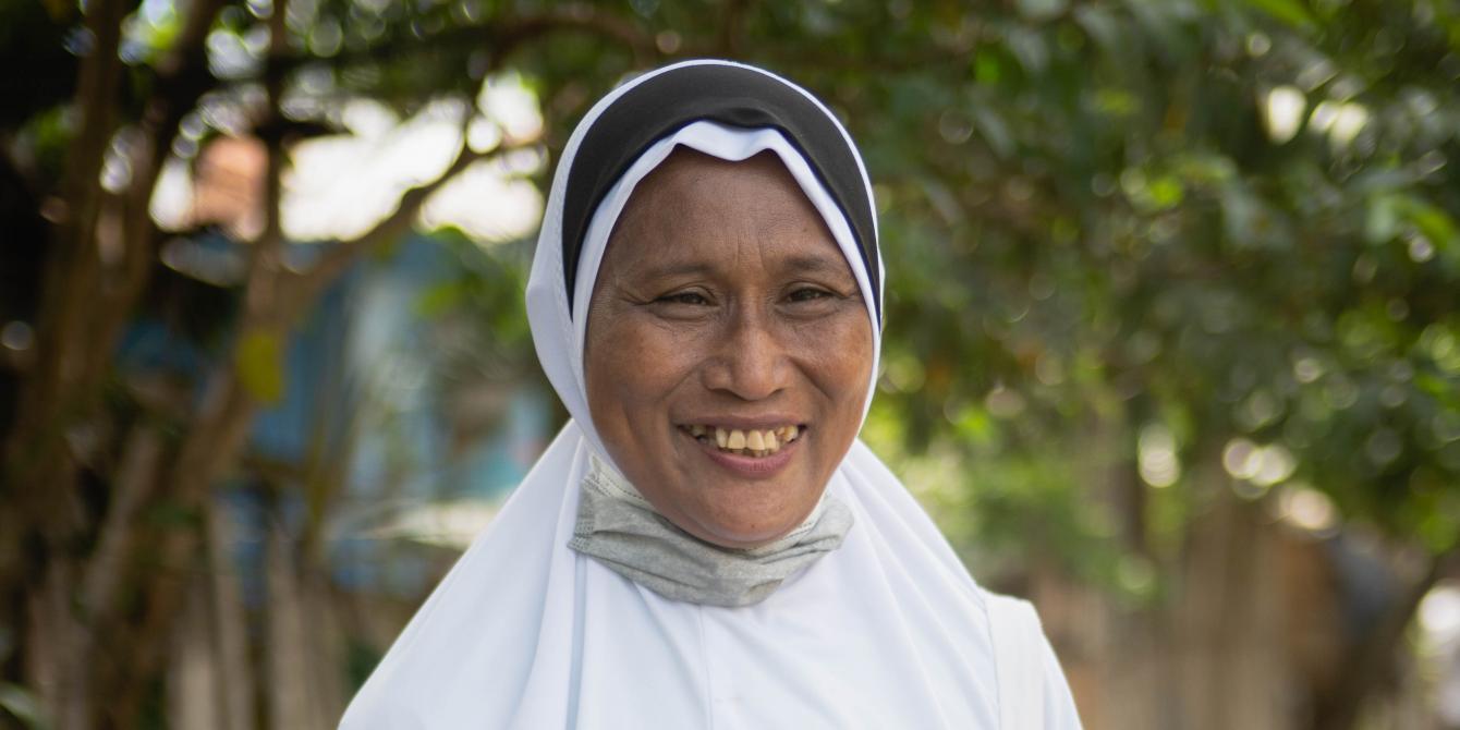A portrait of Hasna Tuwa, a COVID-19 local monitor and barangay health worker of Datu Abdullah Sangki, Maguindanao. (Photo: Princess Taroza/Oxfam)