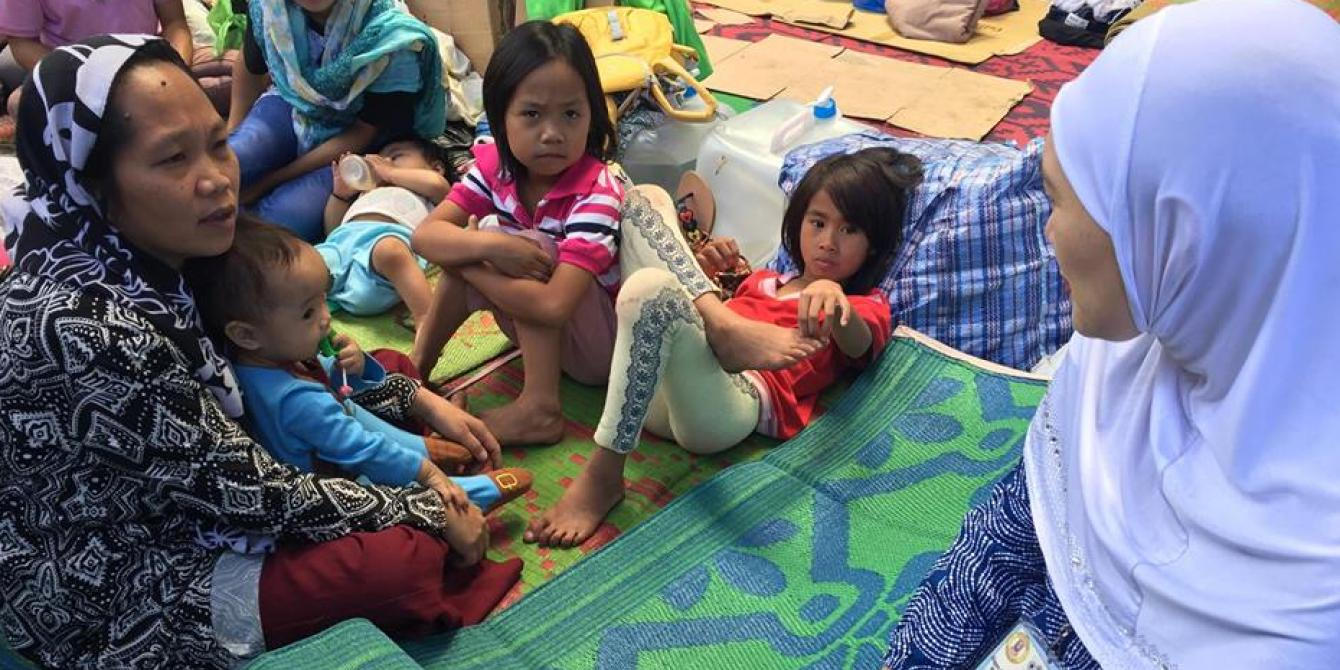 volunteers, evacuees, marawi crisis