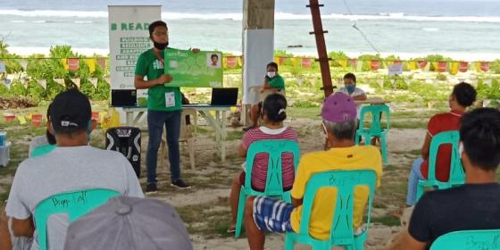 Residents of Barangay Asgad, Salcedo, Eastern Samar participates in the B-READY Users' Orientation led by the People's Disaster Risk Reduction Network. (Photo: Jhomar Padullo/PDRRN)