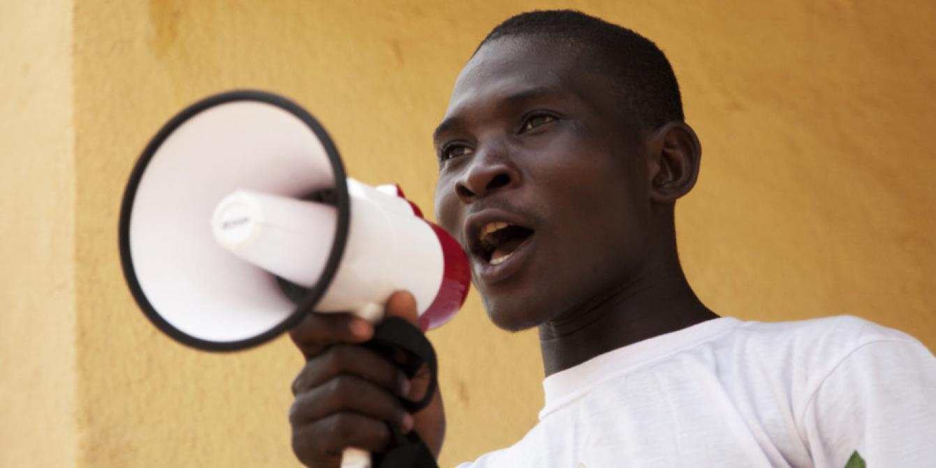 Aboubacar Souleymane Traoré, 16, is a peer educator at Lafiabougou in Mali. He says defending child marriage is very important to him. Credit: Laeïla Adjovi / Oxfam