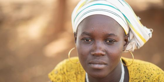 Mariam, 25, mother of a child, fled attacks by armed groups in Burkina Faso and is receiving humanitarian aid in a camp for internally displaced people. Credit: Sylvain Cherkaoui / Oxfam
