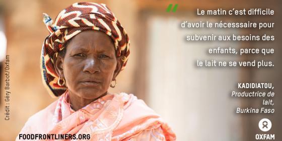 Bien que Kadidiatou soit productrice de lait au Burkina Faso, elle ne peut plus subvenir aux besoins de sa famille. Crédit: Géry Barbot/Oxfam